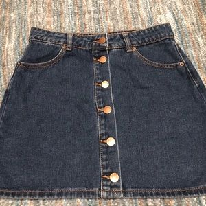 FOREVER 21 Denim Skirt with Buttons Size M